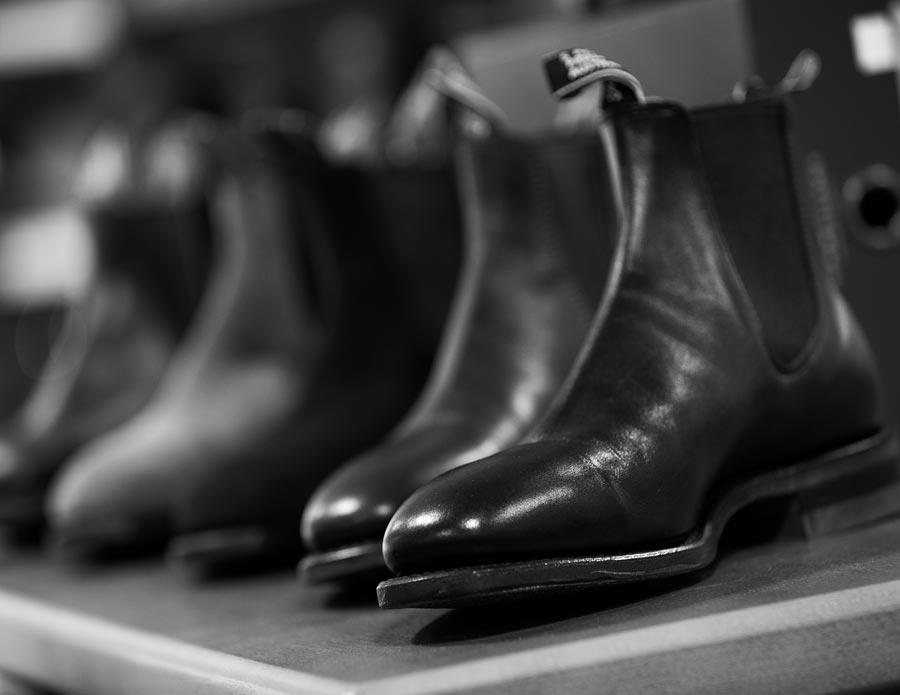 Vi har även ett utbud av högkvalitativa skor