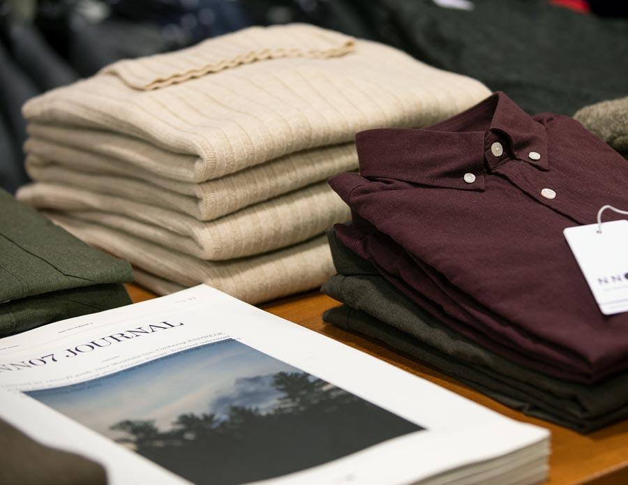 Vi har skjortor och tröjor i många olika varumärken